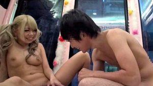 【マジックミラー号】激ロリカワ金髪ギャル美少女が優しく童貞チンポの筆下ろし指導セックス